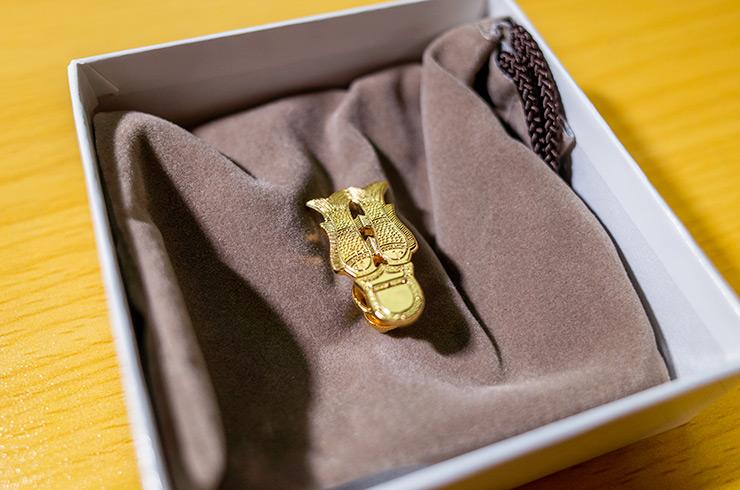 金銅製双魚佩ブローチ